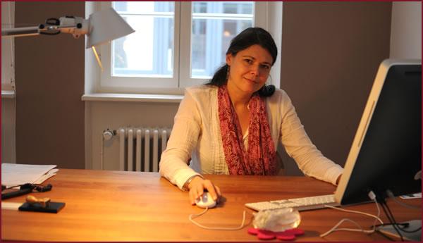 Maja Hesse in ihrer Praxis Stuttgart Stadtmitte